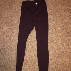 LULULEMON MAROON LEGGINGS
